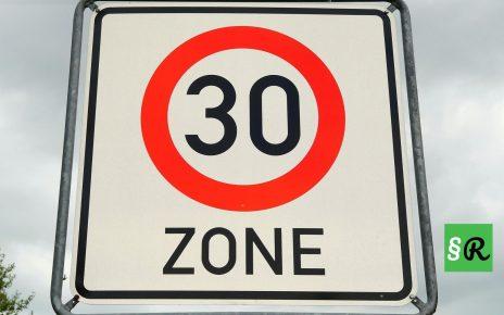 Знак ограничения скорости 30 км ч в Германии